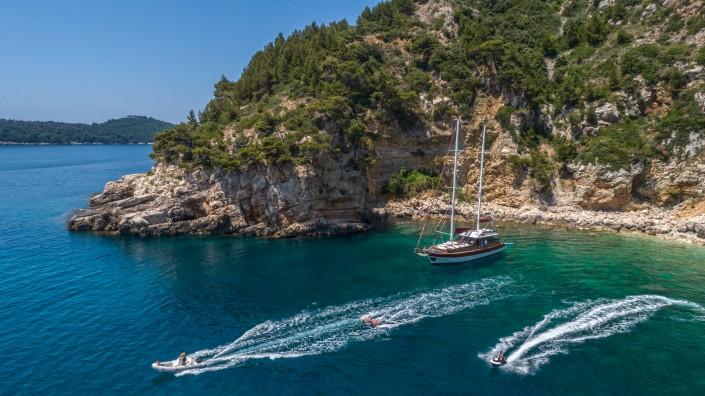 Yacht charter activities